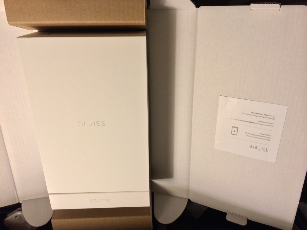 The Google Glass box didn't fall far from the Apple tree (1/6)